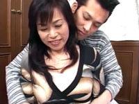 ヤリマン五十路熟女が若い男と中出しセックスで痙攣イキまくる!海江田良江・日野麻理子