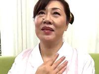 初撮り還暦熟女が顔面汗だくにして夫以外の初めての若いチンポでオーガズム!浦野明美