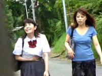 帰宅途中の仲睦まじい母娘に突然訪れた集団凌辱の悲劇!秋川真理