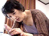 上品な還暦熟女が若いチンポを求めてエロ発情中出しエッチ!染谷京香