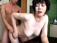 熟女業界No.1のピンク乳首と白い肌!若い男と不倫セックス4本番!羽鳥澄香
