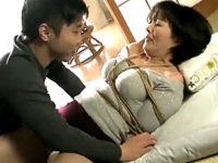 亀甲縛りで凌辱されドM性癖に目覚める年増の叔母!円城ひとみ