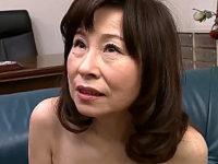 ピンク乳首の還暦熟女が矯正下着姿で生エッチ連続イキ!秋田富由美