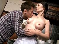 細い体でお椀型巨乳の還暦母が息子に夜這いされ中出しエッチ!中山佳子