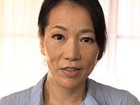 黒乳首の垂れ乳熟女が思春期の息子にオンナの体を優しく教える性教育!司杏子