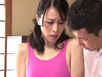 引きこもりの息子に調教されハイレグエッチにハマる貧乳の母親!井上綾子