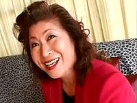 スナックのママ歴30年のエロケバい大柄熟女がナースコスプレでアヘアヘ!石川道