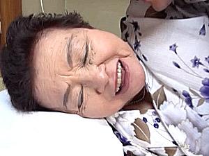 82歳の高齢祖母が曾孫と中出しエッチでオーガズム!小笠原祐子
