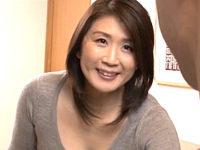 長身で色っぽい叔母が大学生の甥に高速ピストンされ大絶叫!吉岡奈々子