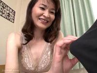 「主人とは全然違いました」初めての強烈快感に驚き戸惑う五十路熟女の初撮り作品!高田すみれ