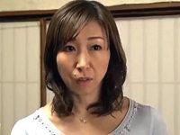 「お願い入れて〜」夫に隠れ息子の女になる小悪魔な母親!新川千尋