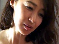 肉欲に目覚めた五十路美魔女の教師が元教え子と3Pエッチ!安野由美