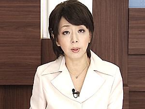 おばさん女子アナが容赦ない3P強烈ファックで潮吹きアヘ顔悶絶!桐嶋永久子