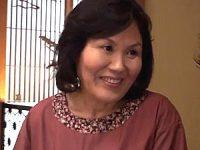 年頃の孫と肉体関係を続けるピンク乳首のポッチャリ還暦祖母!富士さかゑ