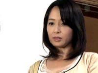 パート先で若い大学生とのセックスに溺れた美魔女人妻がマジイキ連発!安野由美