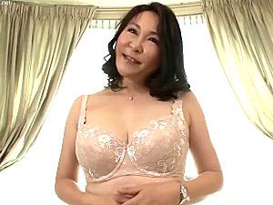 Gカップ巨乳のムチムチ五十路熟女が初撮りで連続マジイキ!中村よし枝