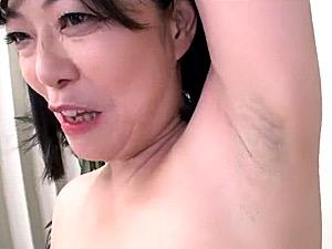 剃り残しのワキ毛がエロい!五十路熟女が局部アップのアルバイト(セックスなし)北条アミ