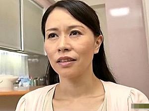 教師をしている堅物の義母が泥酔して娘の旦那と肉体関係を持ってしまう!井上綾子