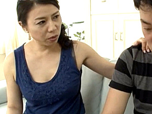 黒乳首でデカ乳輪のエロケバい義母が娘婿に夜這いされ中出しエッチ!深田さえこ