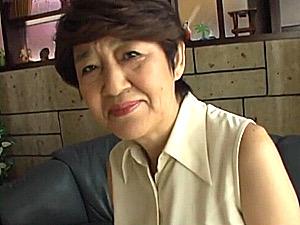 超垂れ乳の七十路祖母が孫の童貞筆下ろしで中出しエッチ!加藤良枝