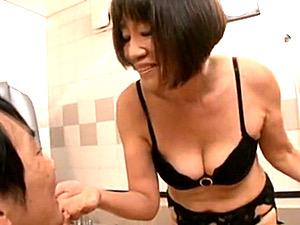 パイパン還暦熟女ソープ嬢の貫禄テクニックと言葉責めに中出し暴発!丹野敦子