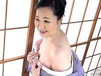 色白で肌の綺麗な七十路熟女がパイパン突かれて初撮り中出しエッチ!城美香