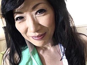 176cmスタイル抜群の長身熟女が淫語連発!ピンク乳首のポッチャリ熟女は高速ピストンで中出しエッチ!星杏奈・三井彩乃