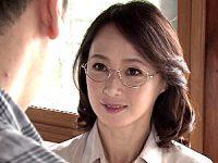 再婚相手より別れた年増女房!寝取られ状況で中出しエッチ!安野由美