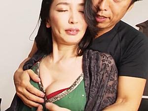 ガリガリ美熟女が強烈ピストンで連続マジイキ!江口浩美