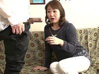 若い男にナンパされた五十路熟女が巨根に興奮して中出しエッチ!山本麗子