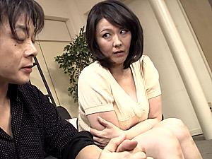肉食五十路の義母が娘の旦那に迫られ欲求不満を爆発させて中出しエッチ!円城ひとみ