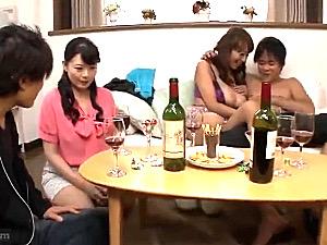 主婦合コンで若い男に抱かれ溺れていく真面目な美熟女!三浦恵理子