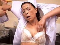 超垂れ乳のパート妻が職場でドM性処理ペットにされ汗だく厨房3P!青井マリ