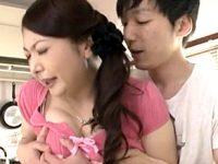 エロケバい垂れ乳の五十路義母が娘の旦那と中出しエッチでハメ潮吹き!紫彩乃