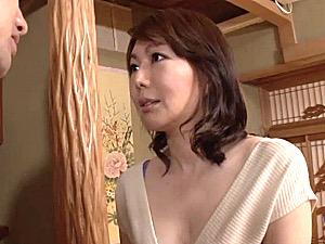 ムッチムチ熟女が息子の同級生と肉体関係になり貞操崩壊!小野さち子