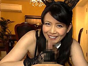 変態女医が主観で言葉責めしながらED患者をフェラ抜き治療!三浦恵理子