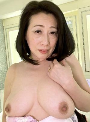 井上いずみ(52)