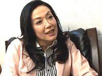元芸能人のエロケバい巨乳熟女が初撮りで泣きまくる!横山エミー
