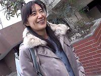 セックスレス10年のスレンダー美熟女が浮気ハメ撮り中出しエッチ!平岡里枝子
