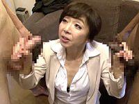 小柄な熟女アナウンサーがシェアハウス取材で中出し10連発セックス!桐嶋永久子