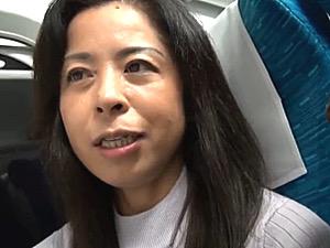 「こんなに自然に入ると思わなかった」不倫温泉旅行で15年ぶりのセックスをする人妻!