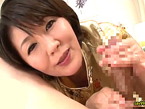 イヤらしい言葉責めとムチムチボディで主観中出しさせる熟女人妻の回春メンズエステ!円城ひとみ