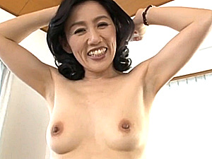上品なのに剃り残しのワキ毛がエロいスレンダー五十路熟女の中出し初撮りエッチ!筑紫和歌子