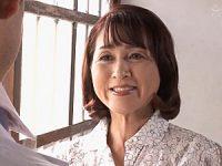 若い内科医の先生と訪問診療で自宅浮気する五十路熟妻!小田しおり