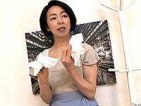 息子の精子ティッシュに発情したパイパン還暦母が近親相姦エッチ!藍川京子