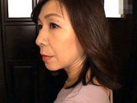 息子の同級生の虜になりエロ下着姿でイキ狂う清楚な五十路母!香田美子