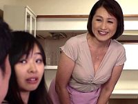 地味顔のポッチャリ義母が娘婿のデカマラ に溺れ家庭内不倫!小田しおり