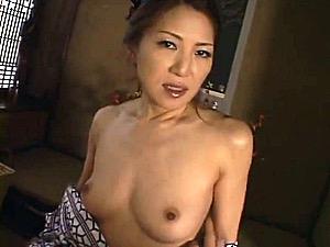 色っぽい五十路美人妻が温泉不倫旅行でハメ撮りエッチ!河合律子