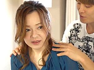 男子大学生とママ活三昧の茶髪熟女がホテルでイキまくり!城川アンナ