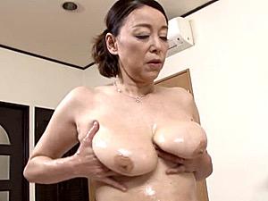 超垂れ乳の還暦母が年頃の息子と中出し近親相姦!青井マリ